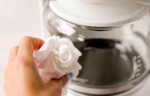 rengöra och avkalka kaffebryggare